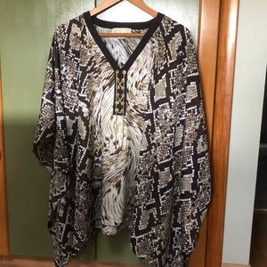Women's blouse with wide sleeves